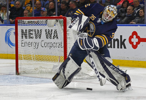 Ullmark gets a lesson from Rinne